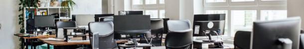 """¿Constituye una MSCT la asignación semanal de puestos de trabajo a través del nuevo sistema implantado por la empresa denominado """"hot desk"""" (puestos calientes)?"""