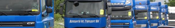 ¿Quién es el empleador de los conductores de vehículos de transporte internacional por carretera que trabajan por cuenta ajena?